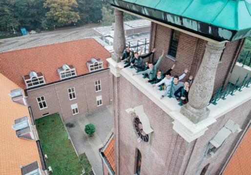 beeld leerlingen vanaf de toren Amersfoort