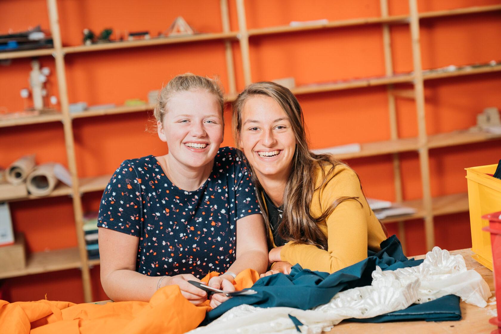 2 meiden MCV lokaal Welzijn